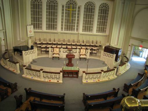 A look inside the beautiful sanctuary at Jackson FUMC! (photo credit: jacksonfumc.org/about/wedding_policies)